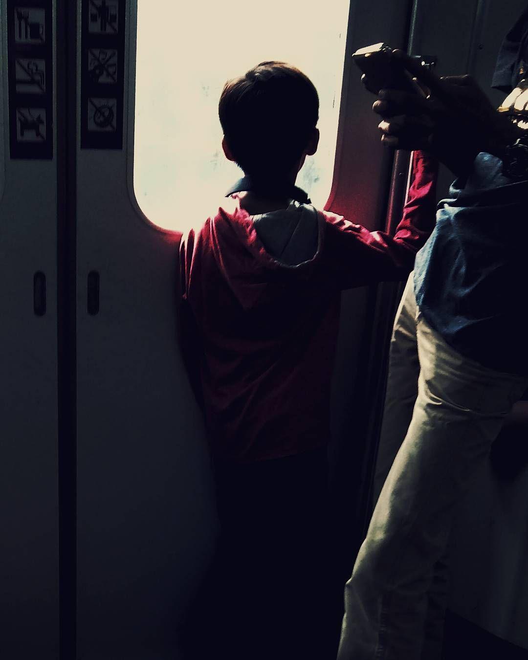 He is seeing ... . . #onthetrain #kid #aboy #streetphotography #streetphotographyinternational #streetphotoincolor #streetphotoindonesia #streetphotonesia #humaninterest #SPi_Colour #urbanlife #mobilephotography #atsocialmedia #krlcommuterlinejabodetabek #KAI