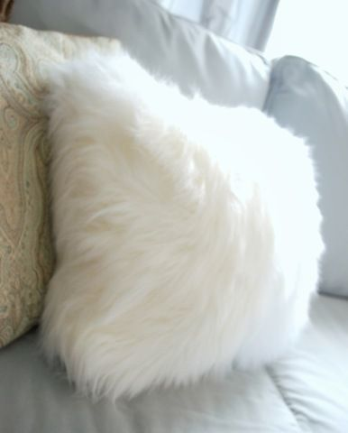 faux fur white throw pillow - White Decorative Pillows