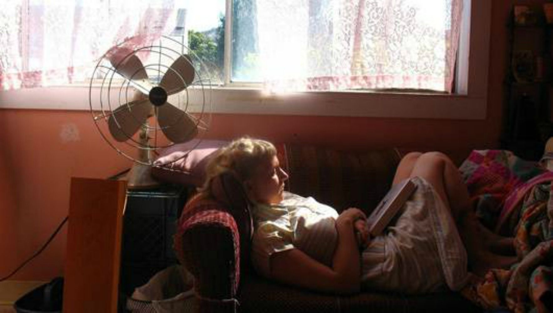 20 ways for renters to stay cool and save money this