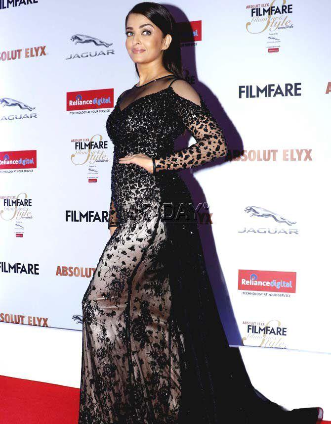 Aishwarya Rai Bachchan at the Filmfare Glamour & Style Awards 2016. #Bollywood #Fashion #Style #Beauty #Hot #Sexy
