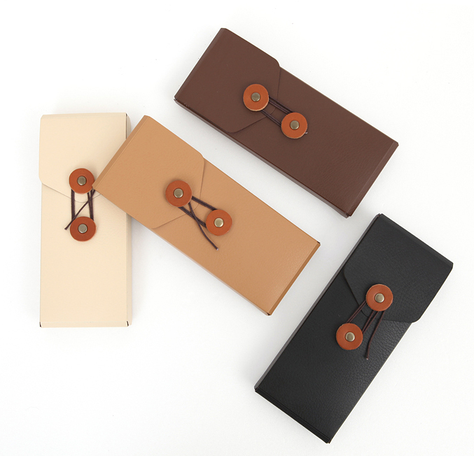 MochiThings.com: Standard Leather Pencil Case
