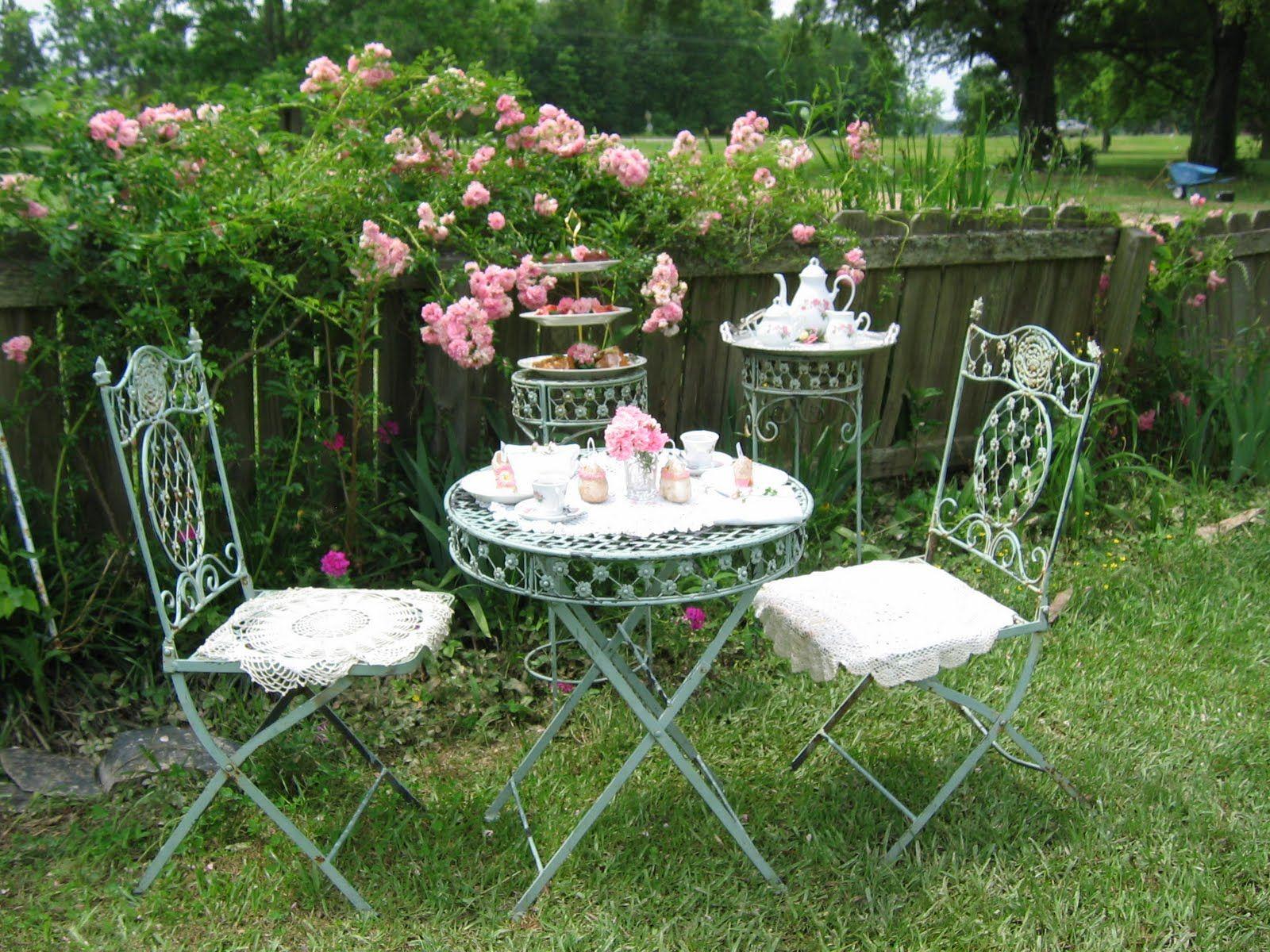 rose garden in english style