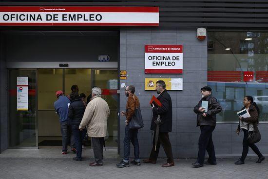 Optimismo con cara oculta  http://blogs.elpais.com/economismo/2014/04/optimismo-con-cara-oculta.html