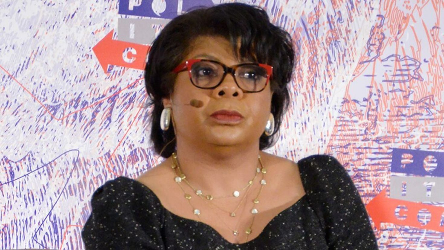 Cnn S April Ryan Cannot Wait To See Armed Forces Pull Trump Out Of The White House In 2020 April Ryan Cnn Fox News Hosts