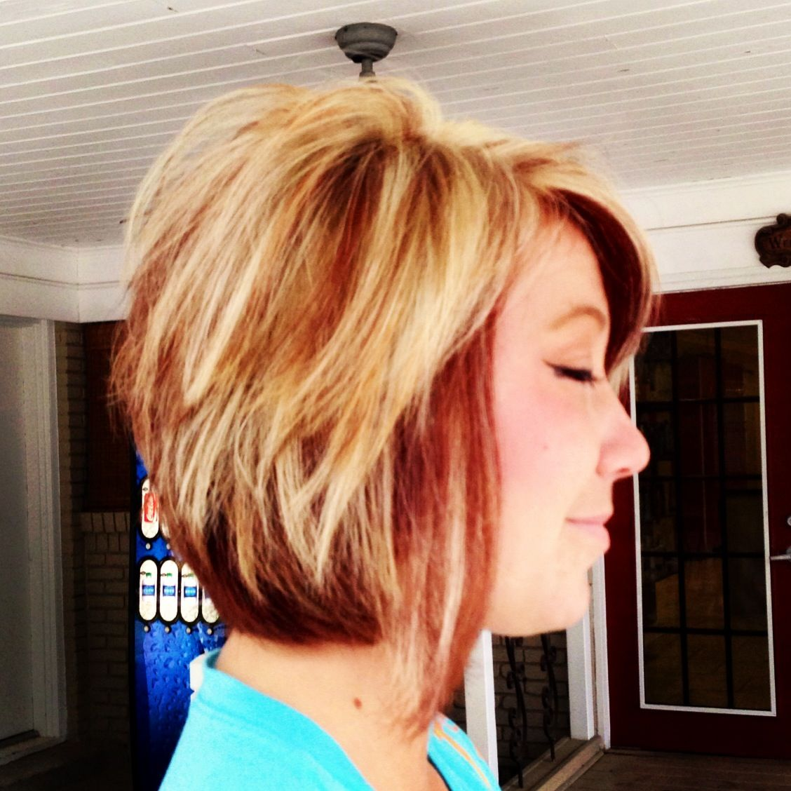 Cute sassy short cut summer cut red and blonde chunks itus