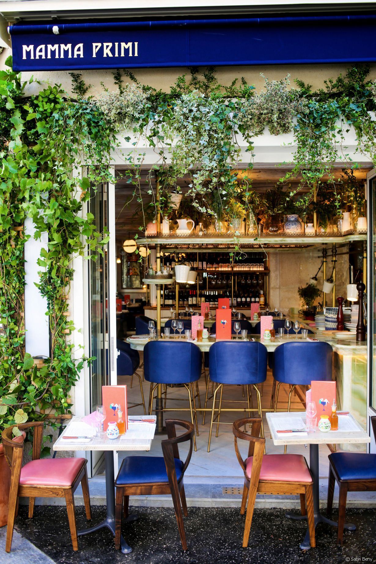 Mamma Primi Cocktails Et Pates Fraiches Le Combo Gagnant Facade Restaurant Decor De Restaurant Italien Resto Paris