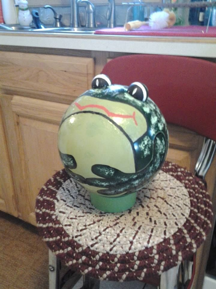 How To Decorate A Bowling Ball Magnificent Frog Bowling Ball  Bowling Ball Creations  Pinterest  Bowling Inspiration Design