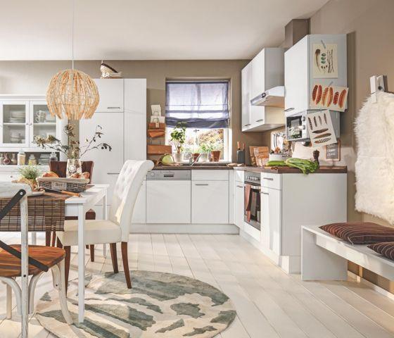 Trendige Eckküche in Weiß und Samteiche NB - ein Ort zum Wohlfühlen