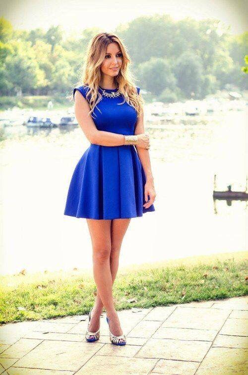 Vestido de fiesta azul rey corto