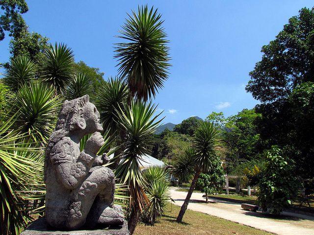 Xochipilli, Príncipe das Flores, presente de Alfonso Reyes ao Jardim Botânico do Rio de Janeiroi