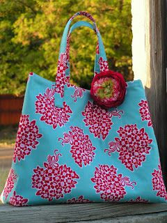 Riley Blake Designs -- Cutting Corners: It's not Your Usual Jane Bag Tutorial