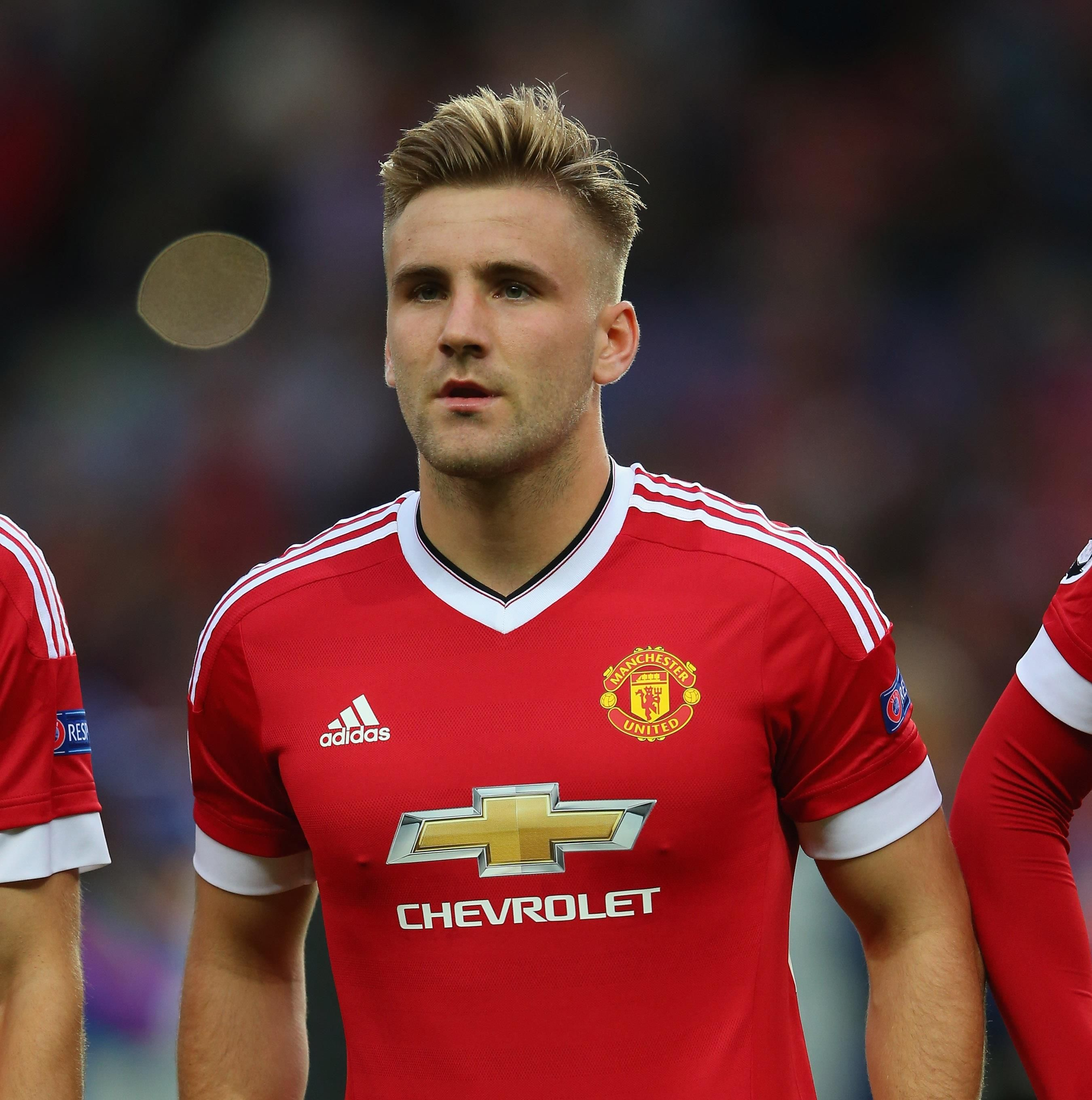 Sharp Fade And Volume On Top Great 2015 Hairstyle Idea From Luke Shaw Manutd Bong đa
