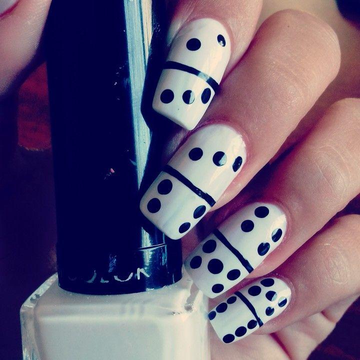 Decoración de uñas de domino   diseño de uñas   Pinterest ...