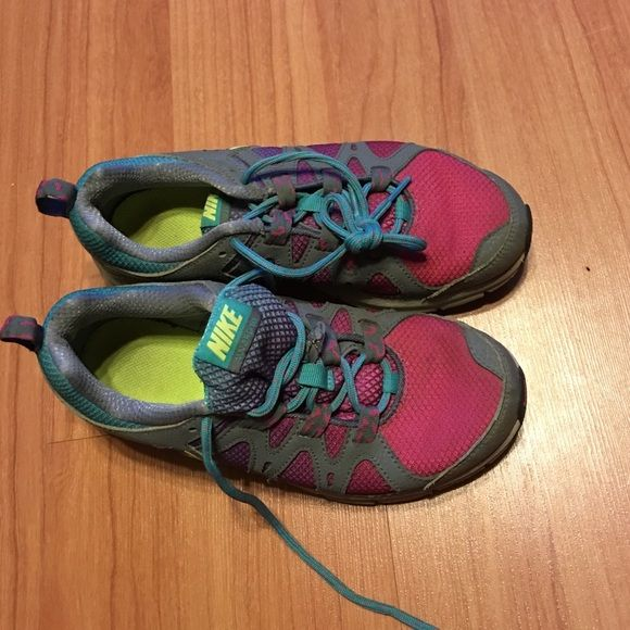 Nike Tennis Shoes Worn, but has lot of life left.. Size 6 Nike Shoes Athletic Shoes