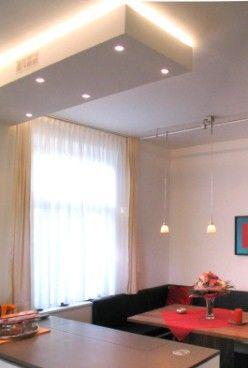Wohnküche mit Natursteinplatte - Durchdachte Beleuchtung