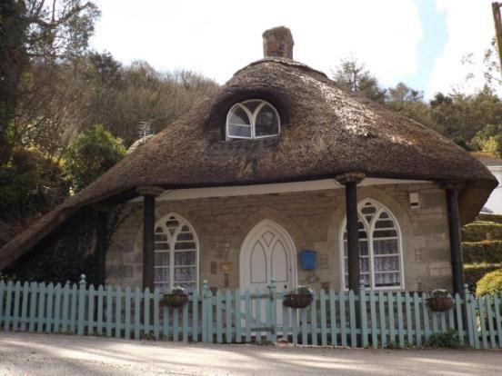 2 Bedroom Detached House For Sale In Gweek Drive Nr Helston Cornwall