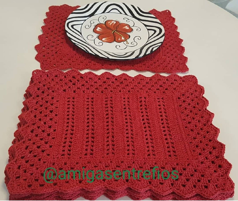 Jogo Americano Vermelho Em Croche Retangular By Amigasentrefios Jogo Americano De Croche Jogo Americano Vermelho Jogos De Croche