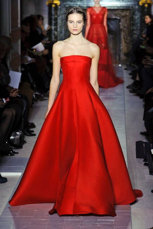 b7e0aaf6801d Valentino Spring 2013 Couture Runway - Valentino Haute Couture Collection -  ELLE