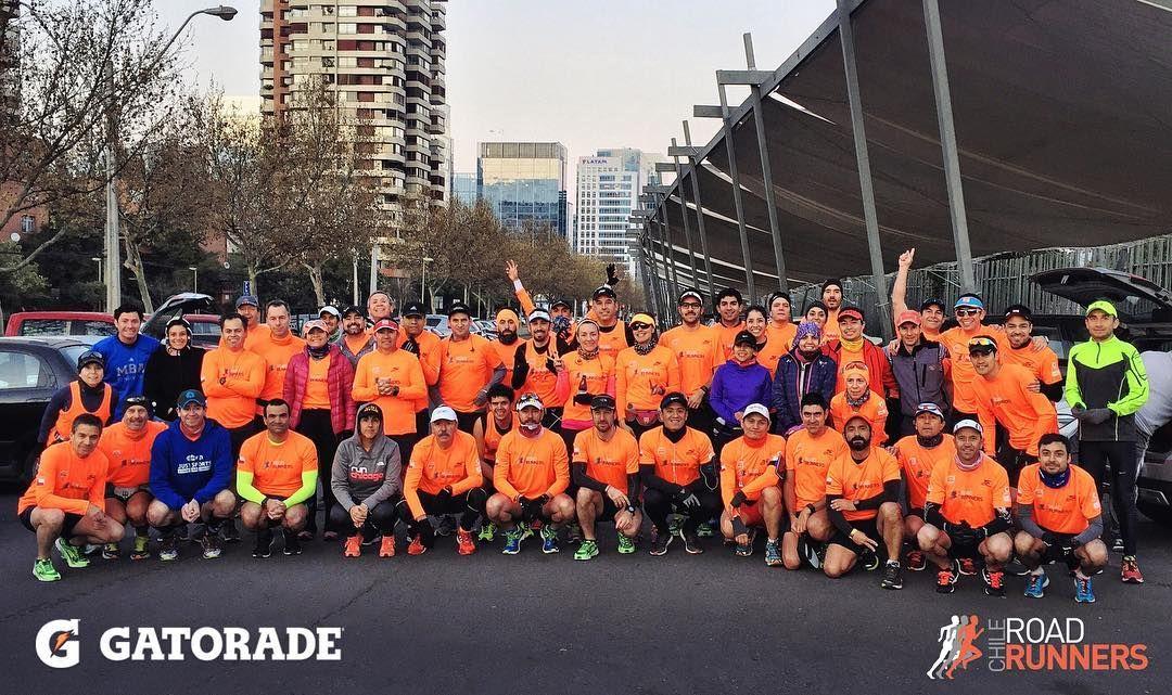 Desde las 7:45 realizamos el último 30k de cara a maratones de Berlín Viña del Mar Chicago y Buenos Aires. #GatoradeChile #RoadRunnersChile @gatoradechile