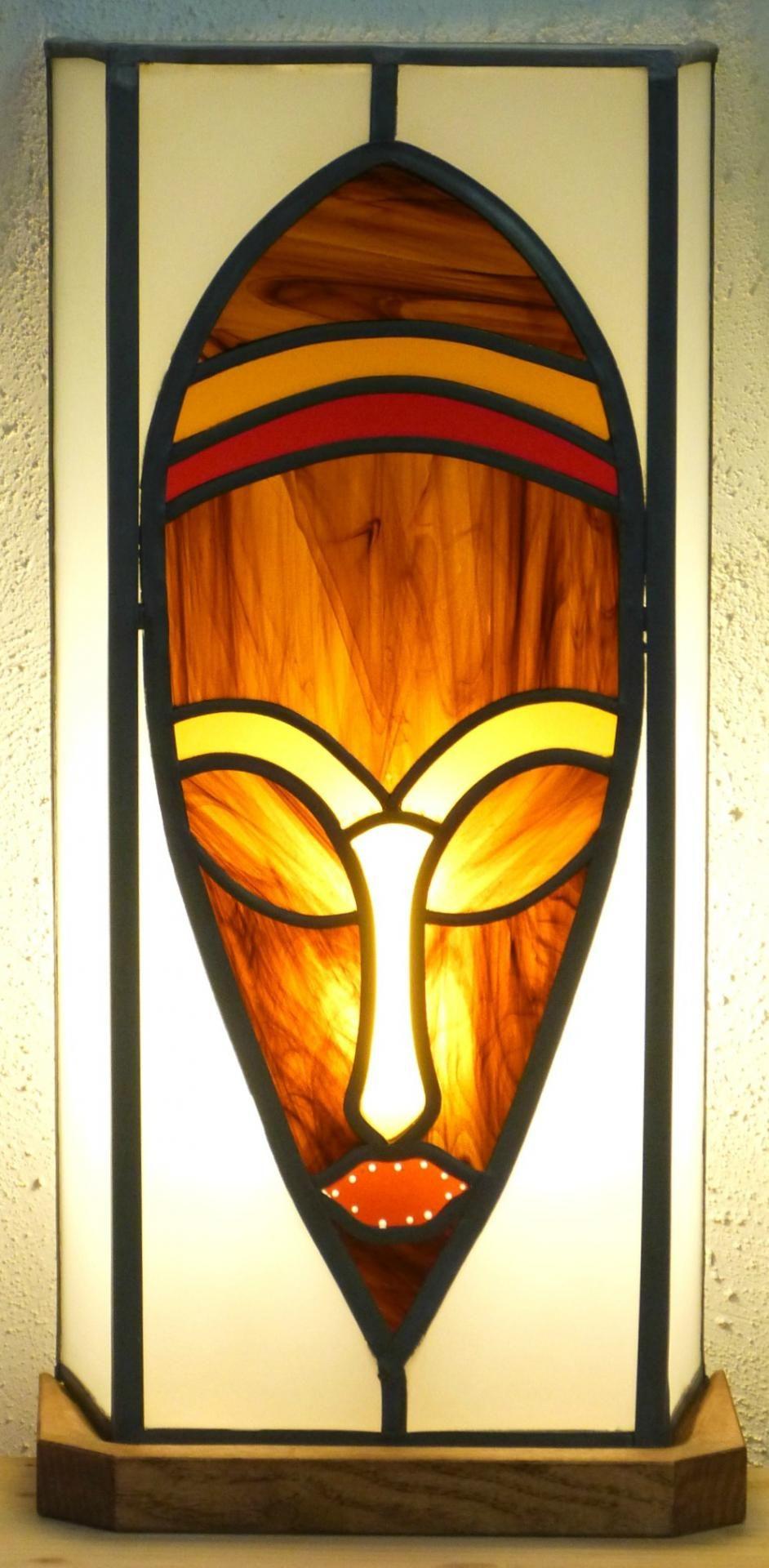 Lampe Vitrail Masque Ethnique Brun Chamarre Idees Pour La Maison