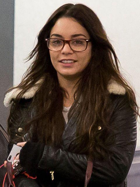 15 Celebrities Who Look Flawless In Glasses