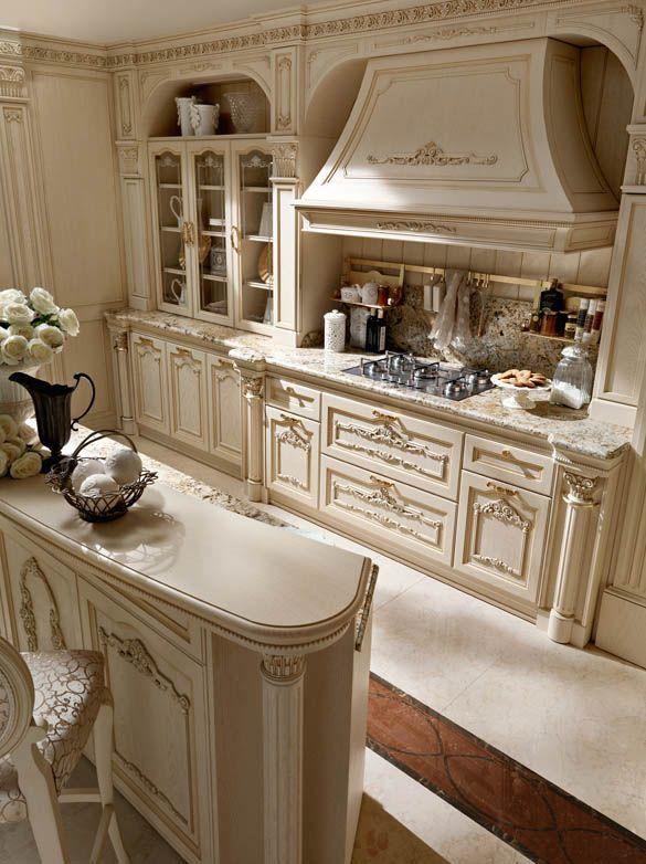 Cappa e piano cottura cucina bianca di lusso in rovere | 31 ...