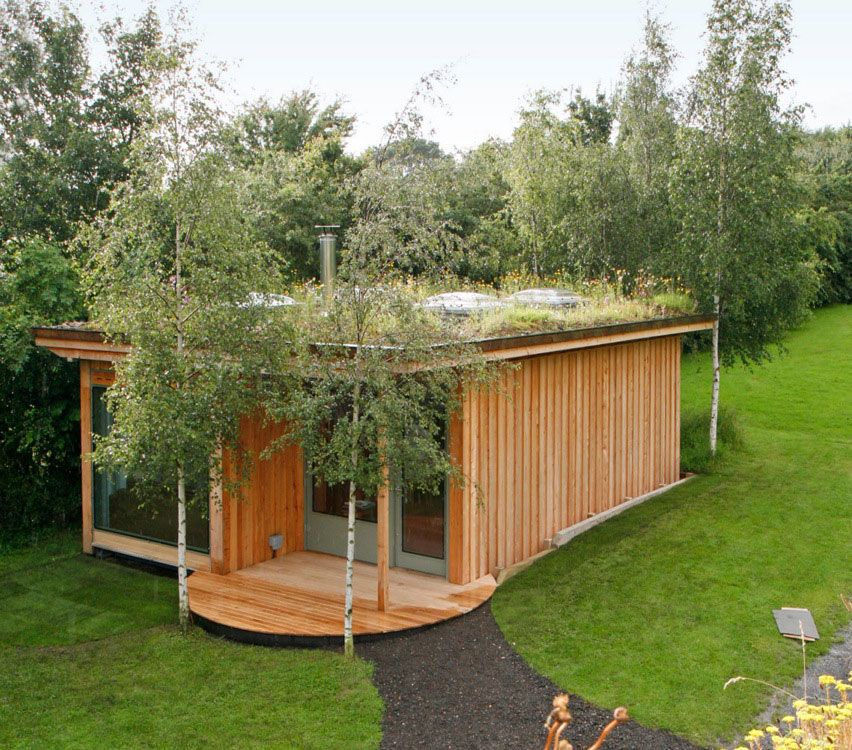Grass roof containers 8 spectacular shipping container for Green garden rooms