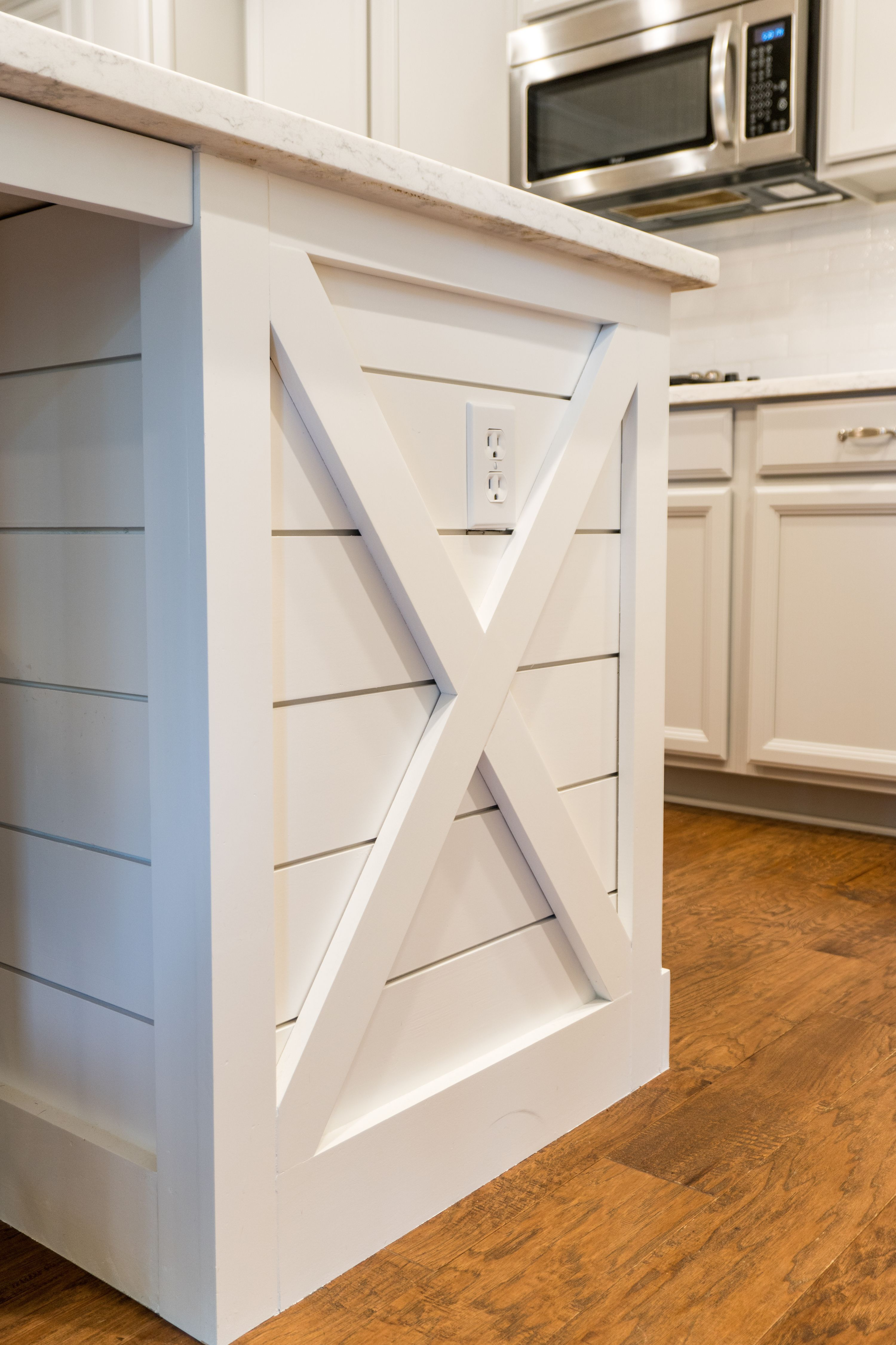 Island trimmed out with shiplap.Quartz countertop. | Cooking ...