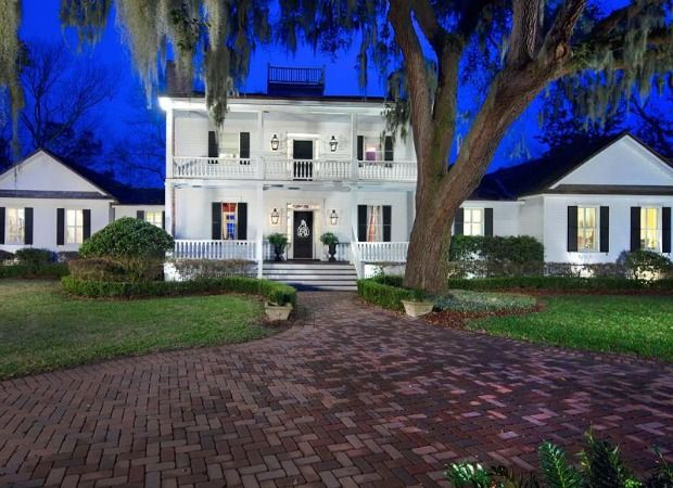 This Florida Home Really Belongs In The French Countryside