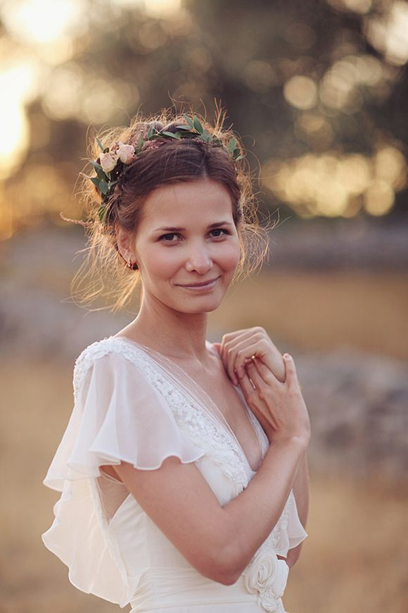 15 Hairstyles with Flower Crowns for Wedding cca09637c79