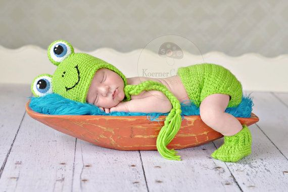 Frog Set THE WHOLE SET Hat/ Diaper Cover/ Booties by ModisteBee, $70.00