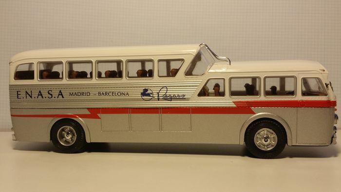 Autobús Pegaso Z 403 monocasco 1/43 IXO / Hachette