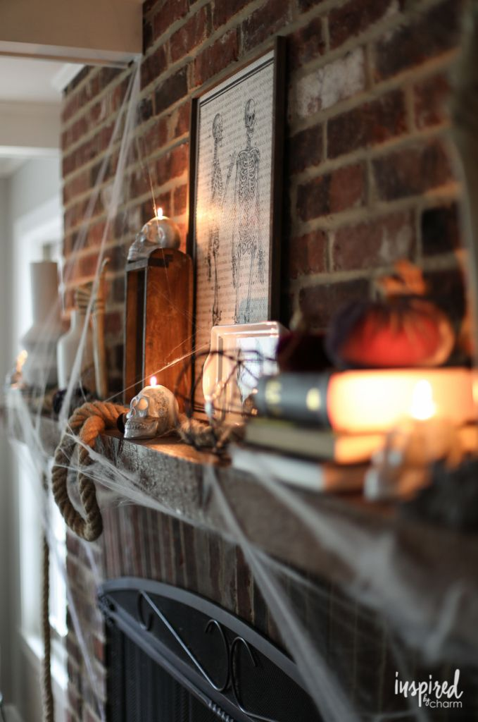 Bone Chilling Halloween Mantel Decor Ideas #halloween #decor