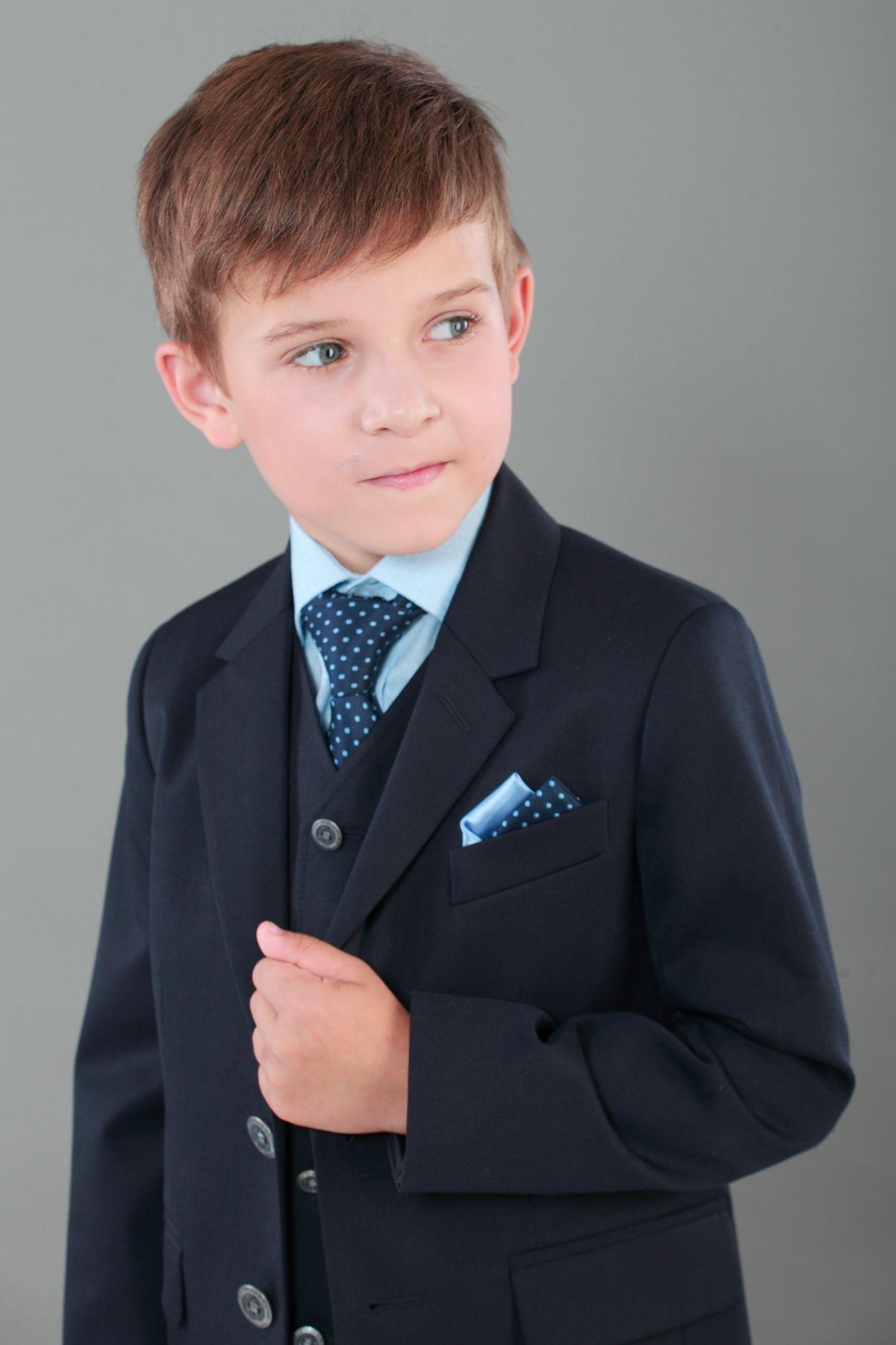 Класичний одяг та шкільна форма  18e5917da1ef2