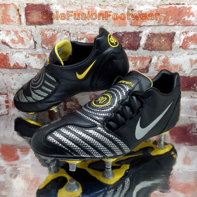 8f52c94f9 Nike mens Total 90 Shoot Football Boots Black sz 9 Rare SG Soccer Cleat EU  44 10