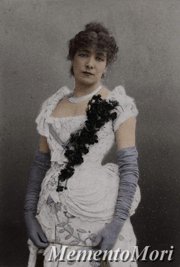 Sarah Bernhardt by M3ment0M0ri