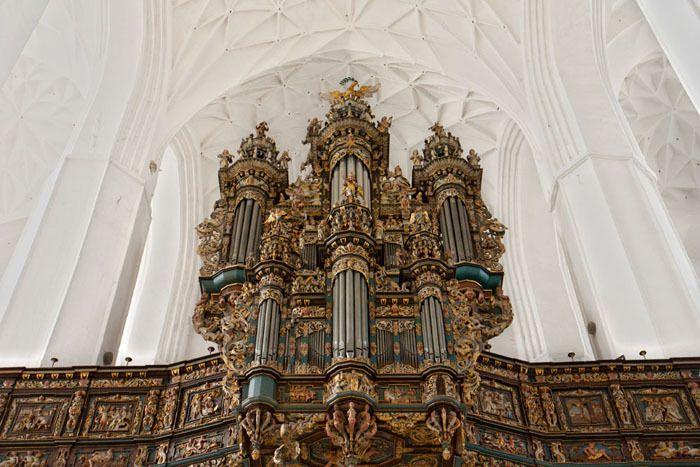 L'énorme orgue de la basilique Sainte Marie, la plus grande église en brique au monde - Photo © Jarod Carruthers - Flickr.com  #Pologne #Gdansk