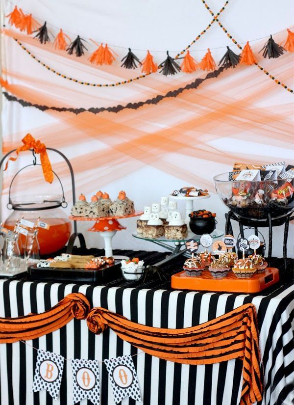 Pottery Barn Vintage Retro Halloween Party, lots of recipes