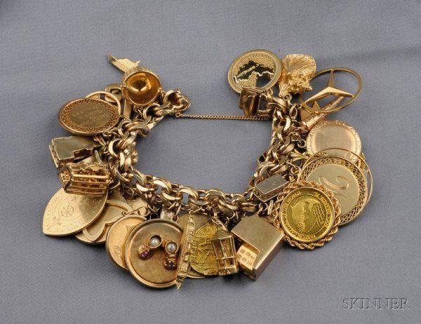 Gold Charm Bracelet, the 14kt gold bracelet suspend
