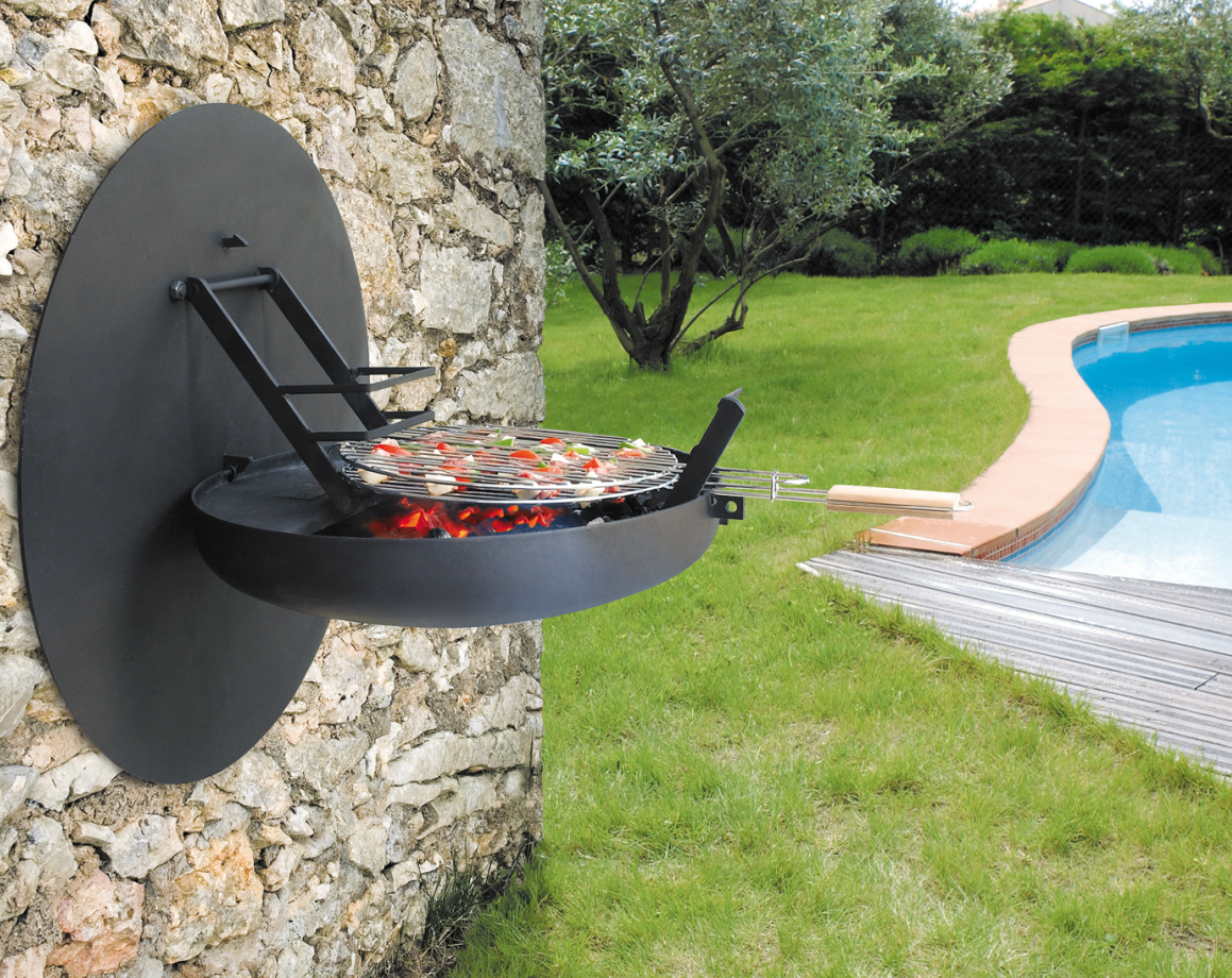 Wall mounted BBQ