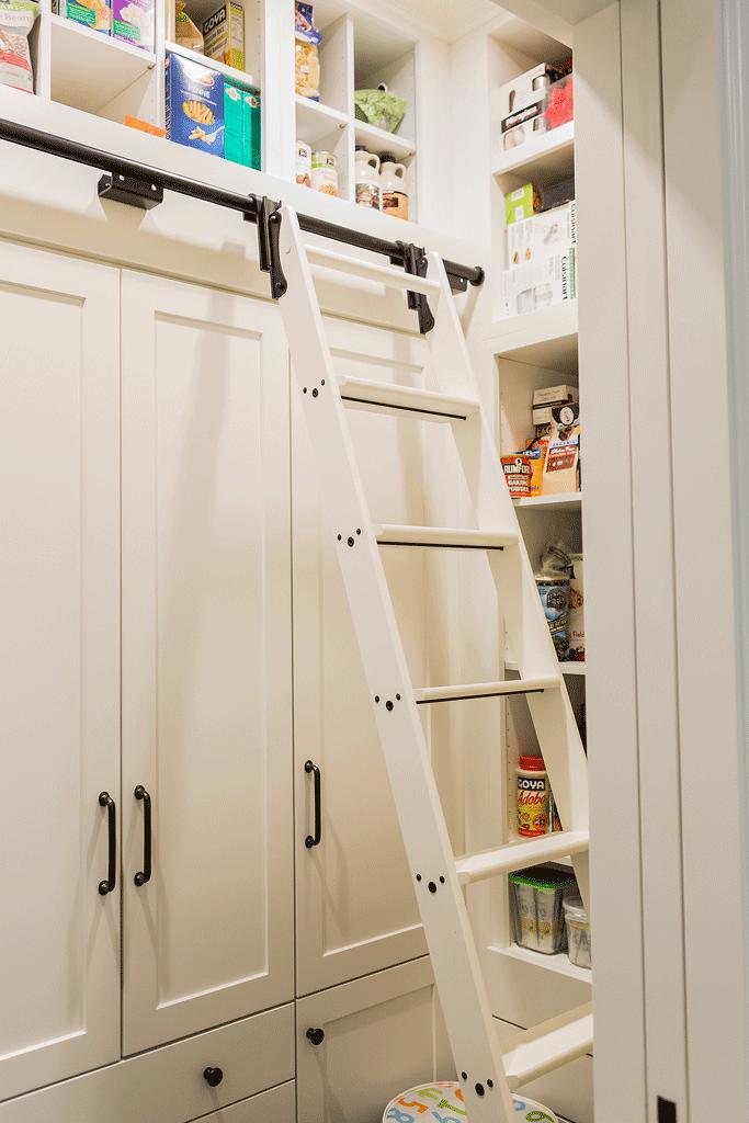 Vorratsraum mit Leiter... | Wohnen | Pinterest | Leiter, Küche und ...