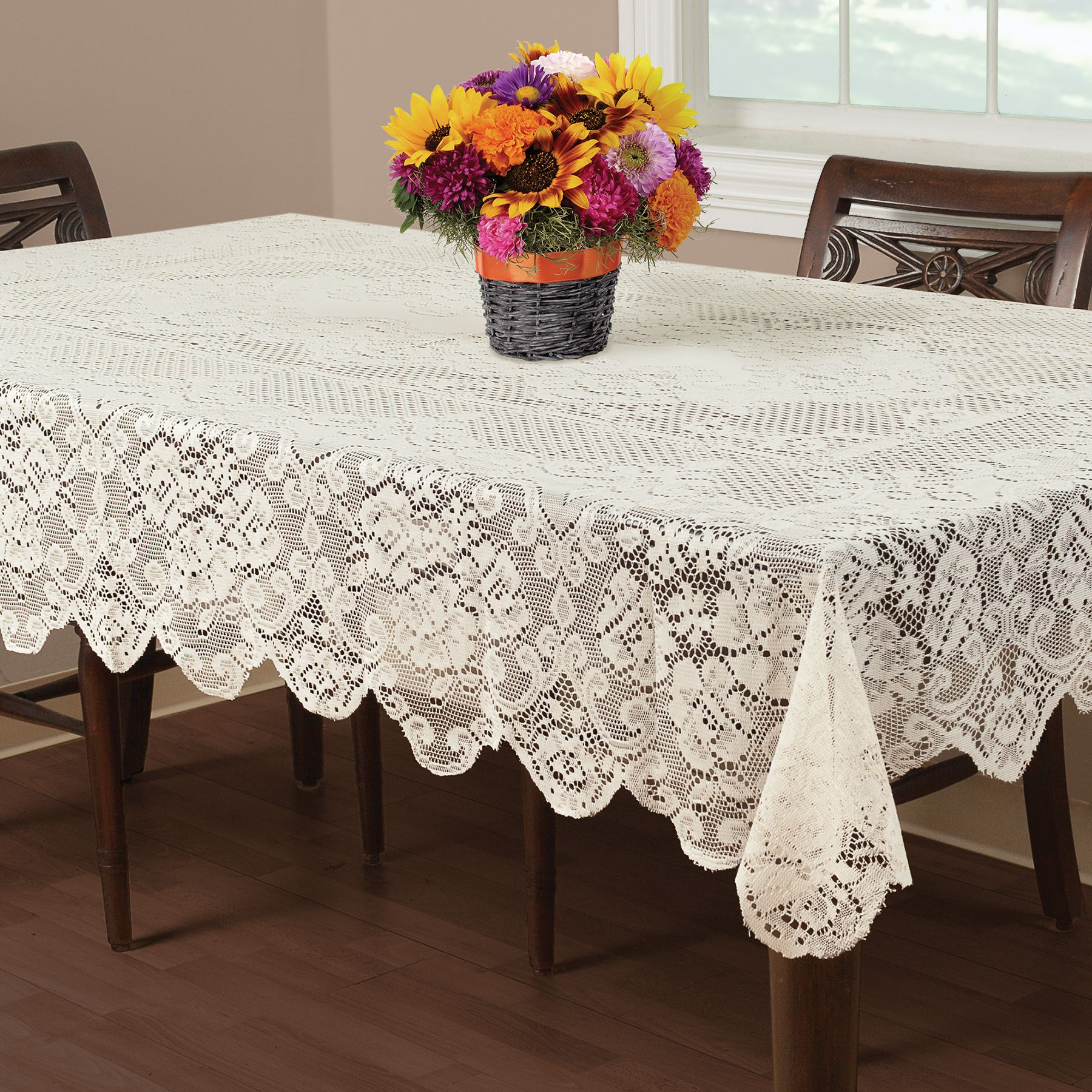 70 Round Lace Tablecloth Designs