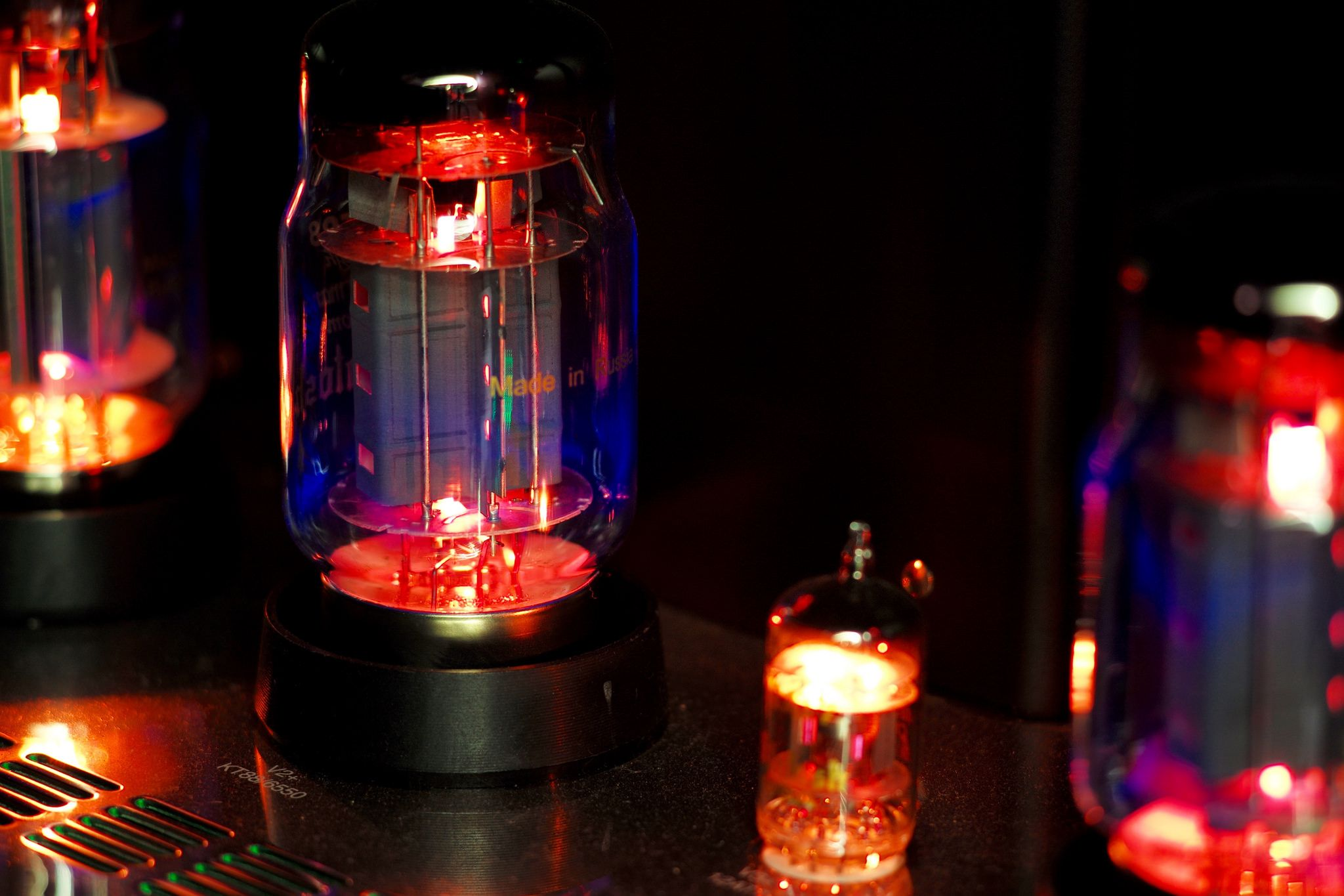 Kt88 Vacuum Tubes Made In Russia In 2020 Vacuum Tube Cool