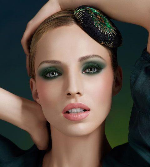 maquillage smoky vert make up for ever maquillage des yeux pinterest maquillage des yeux. Black Bedroom Furniture Sets. Home Design Ideas