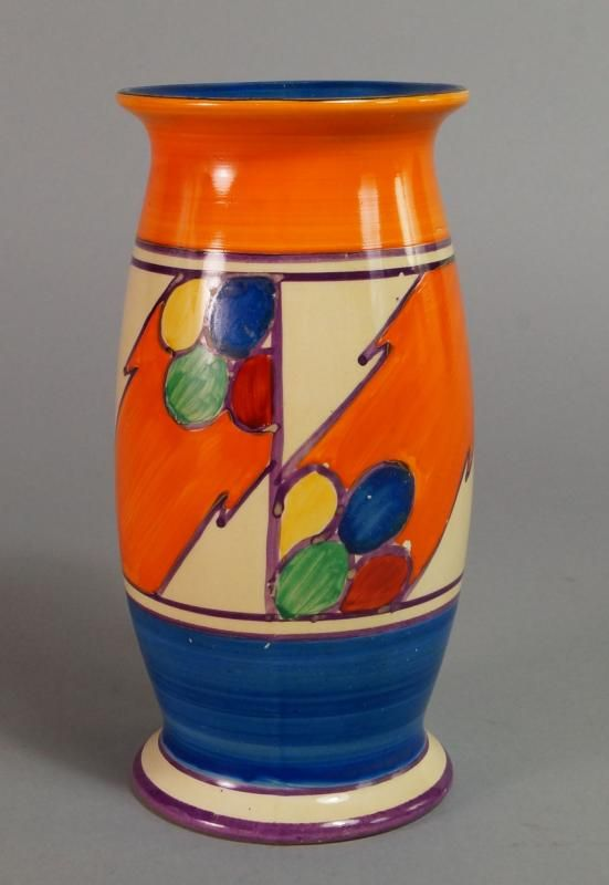 A Clarice Cliff Pebbles Pattern Vase Shape 264 Printed Factory
