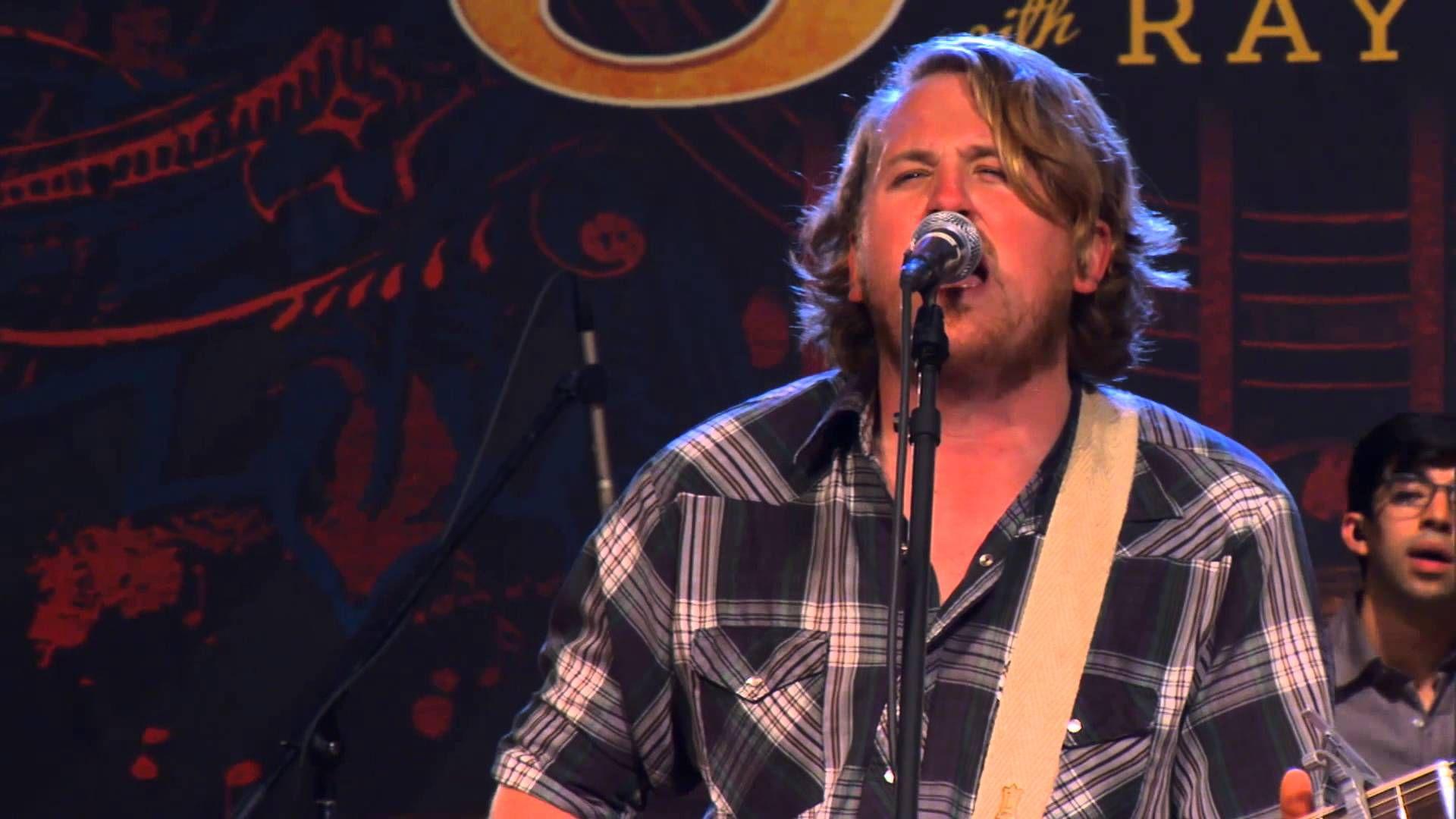 "William Clark Green Performs ""Hanging Around"" on The Texas Music Scene"