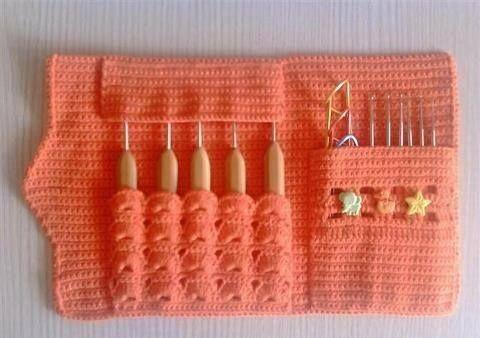 Letras e Artes da Lalá: cabide de crochê