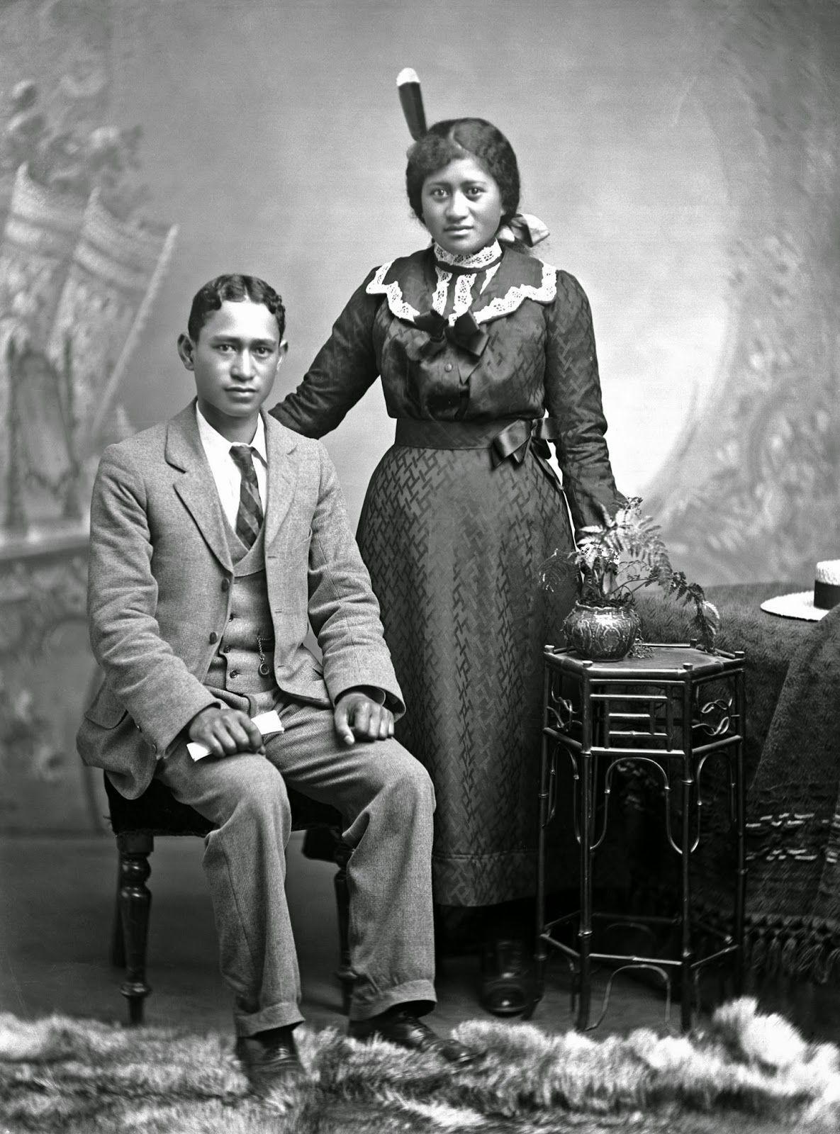 Old Maori Women: Portrait Of Young Maori Man And Woman From Takarangi