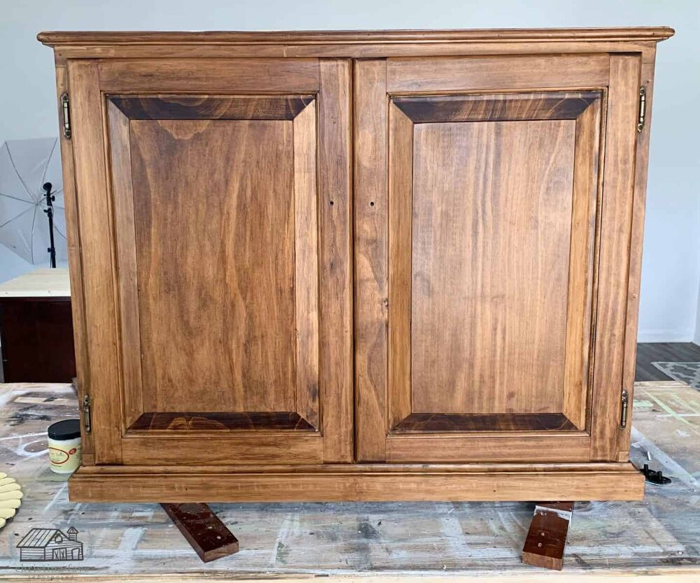 The Breathtaking Way This Woman Decides To Use An Old Kitchen Cabinet In 2020 Repurposed Kitchen Old Kitchen Cabinets Cheap Diy Wall Art