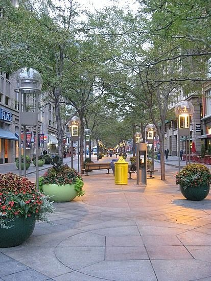 At Denver S Downtown Mall 16th Street